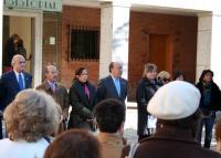 El Alcalde presidió la concentración a las puertas del Ayuntamiento.