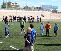 Niños entrenando en el campo municipal de Rugby de Las Rozas - Foto. Ayuntamiento Las Rozas
