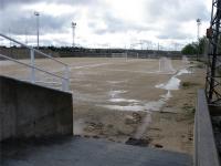 El campo de futbol quedó impracticable por la lluvia.