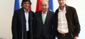 el-alcalde-rodeado-de-zidane-y-francescoli