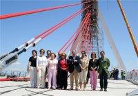 El_alcalde_con_varios_concejales_en_su_visita_a_las_obras_del_puente.jpg