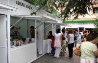 Los_visitantes_se_interesaron_por_las__ltimas_novedades_literarias_en_la_pasada_Feria_del_Libro_1.jpg